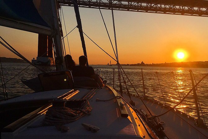 Lisbon Sunset Sensations Sailing Tour with white or rosé wine & snacks photo 10