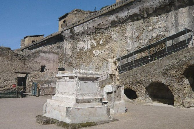 Herculaneum Ruins photo 7