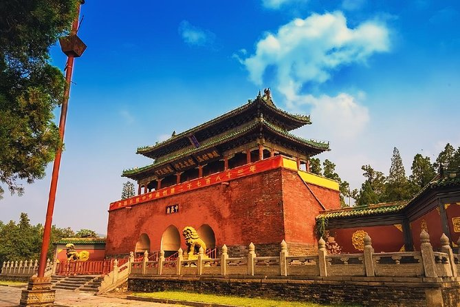 Private Tour to Zhongyue Temple and Shaolin Temple from Zhengzhou