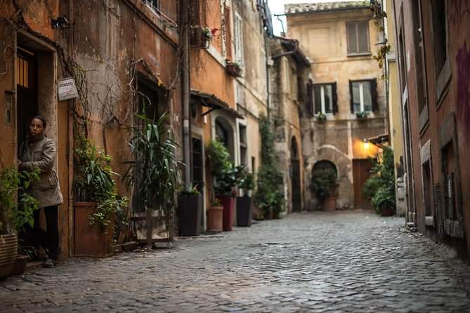 Trastevere: A Self-guided Audio Tour of Rome's Medieval Village by VoiceMap