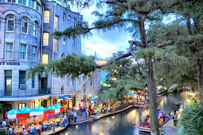San Antonio River Walk Cruise, 3-Day Hop-On Hop-Off Bus Pass and Tower of the Americas
