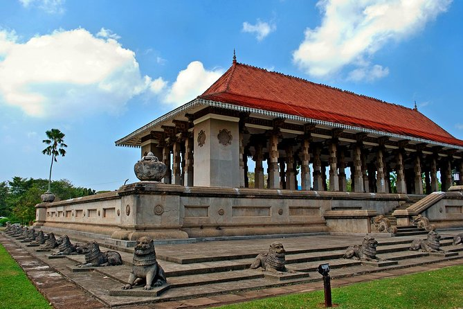 Colombo City Drive by Bookingmart Holidays Pvt Ltd (Private Tour - 4 Hours Tour)