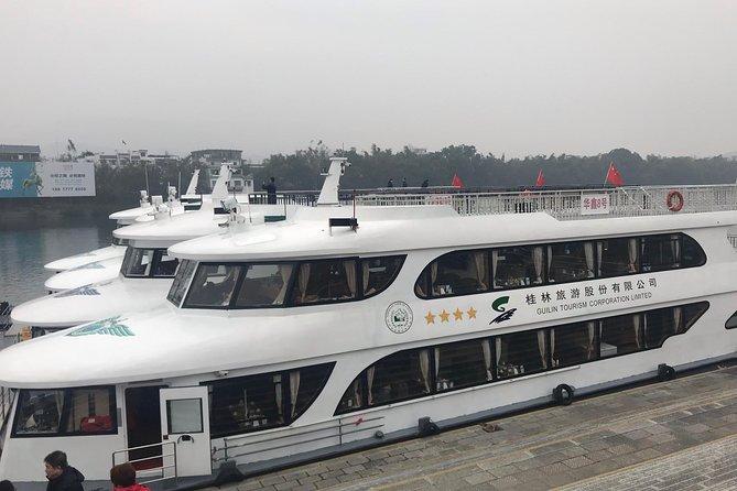 Relaxing 4-Star Li River Cruise from Guilin to Yangshuo with Buffet Lunch