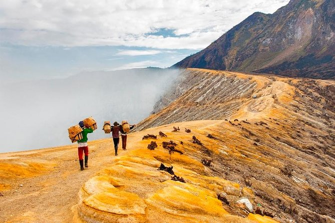 Mount Ijen: Electric Blue Fire Tour (2 Days & 1 Night)
