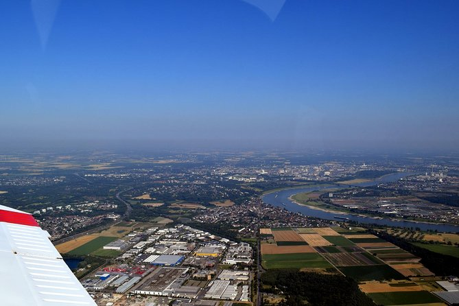 Dusseldorf: 1-Hour Private Sightseeing Flight