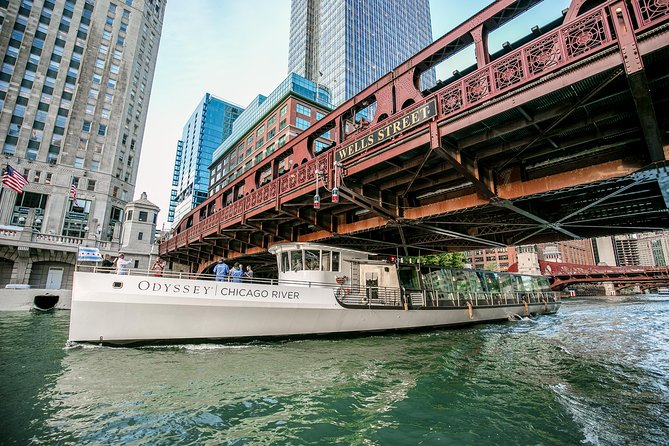Premier Chicago River Architectural Lunch Cruise