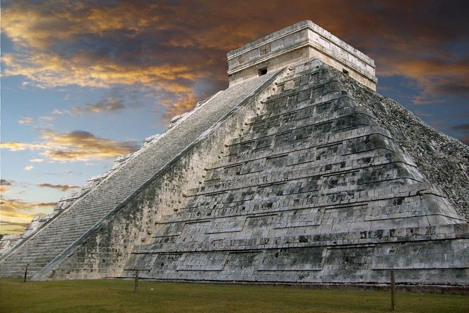 Tour to Chichen Itza and Cenote with Buffet Lunch and Transportation from Cancun