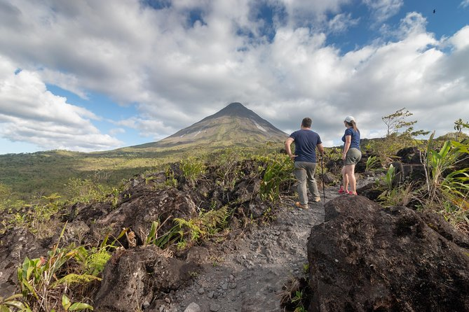 2-in-1 Arenal Volcano Combo Tour: Volcano Hike and Hot Springs