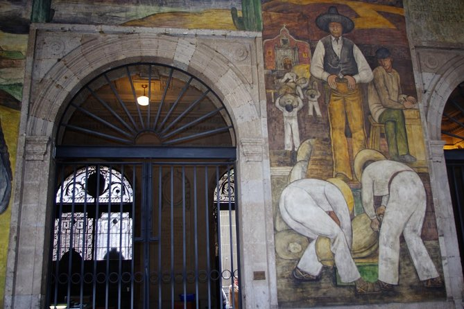Walking Tour - Impressive murals in Historical Center of Mexico City photo 6