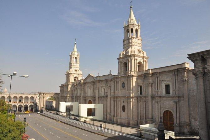Living Peru: Lima, Arequipa, Colca Canyon, Lake Titicaca, Cusco, Machu Picchu