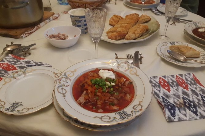 Tea, dinners and cooking in traditional apartment in St.Petersburg, Russia photo 1