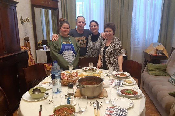 Tea, dinners and cooking in traditional apartment in St.Petersburg, Russia photo 3