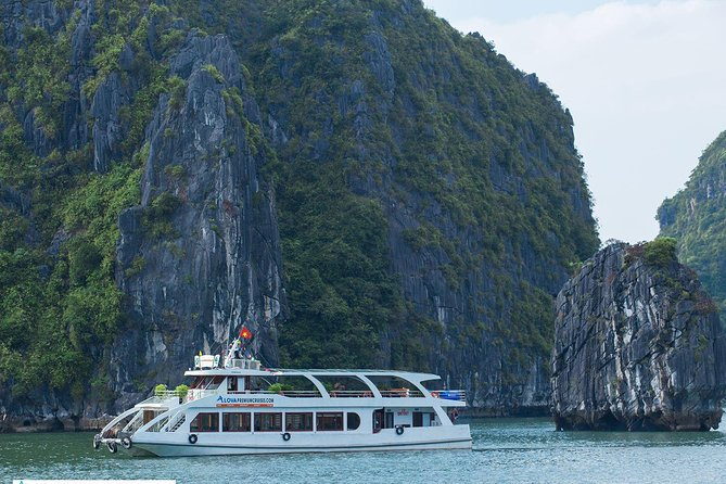 Group Day Tour in Ha Long Bay: Kayak,Cave Explore,Swimming from Tuan Chau Island