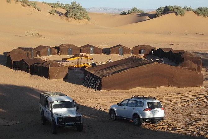 allows to discover the Drâa river valley Circuit 2 days / night in desert