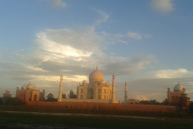 Behind the Taj Mahal with Sunrise or Sunset view by Tuk Tuk Ride photo 4