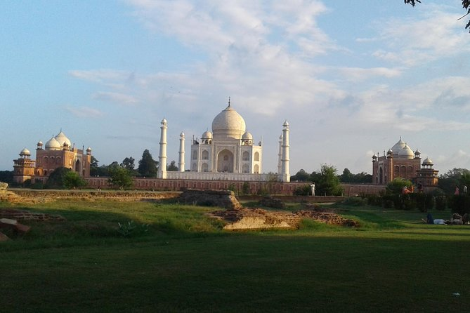 Behind the Taj Mahal with Sunrise or Sunset view by Tuk Tuk Ride photo 3