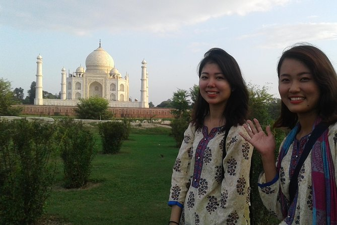 Behind the Taj Mahal with Sunrise or Sunset view by Tuk Tuk Ride photo 7
