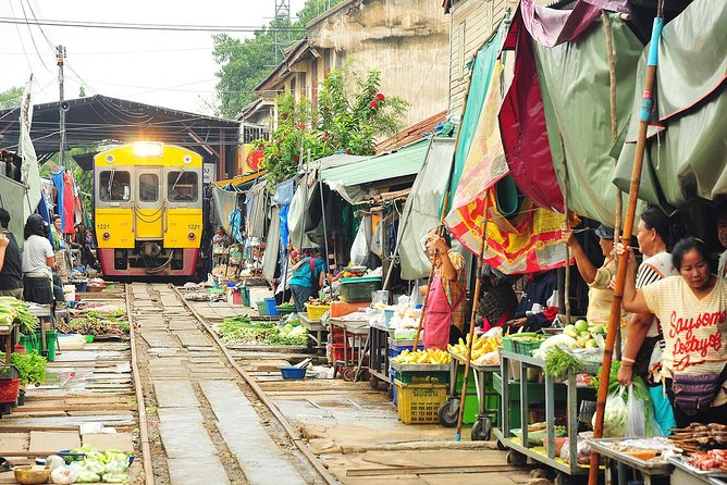 Amphawa Floating Market Tour with Maeklong Railway Market (Multi Languages)