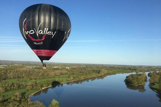 Balloon flight over Saumur: Vineyards, Loire and Castles