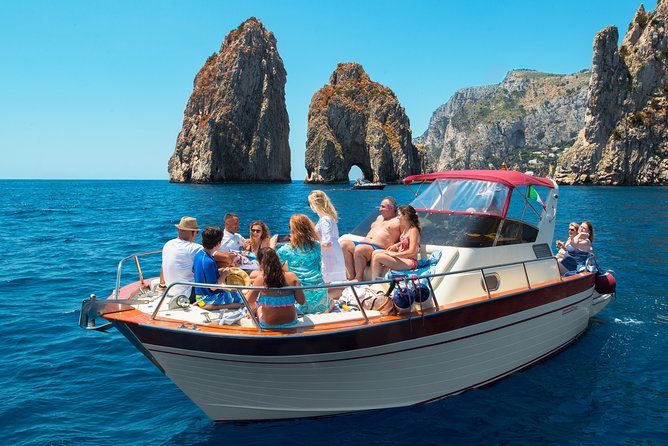 Excursion en bateau à Capri au départ de Sorrente
