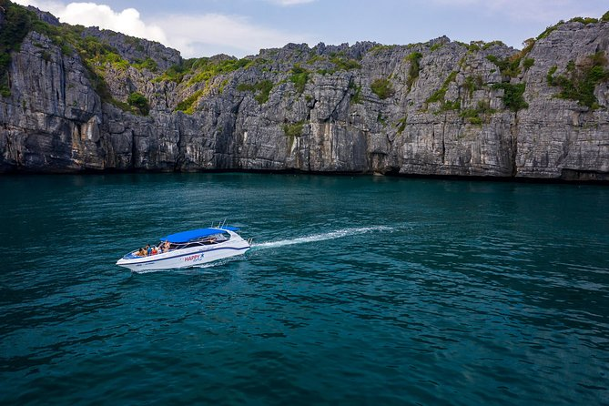 VIP small group Speedboat tour to Angthong Marine Park with free Kayaking