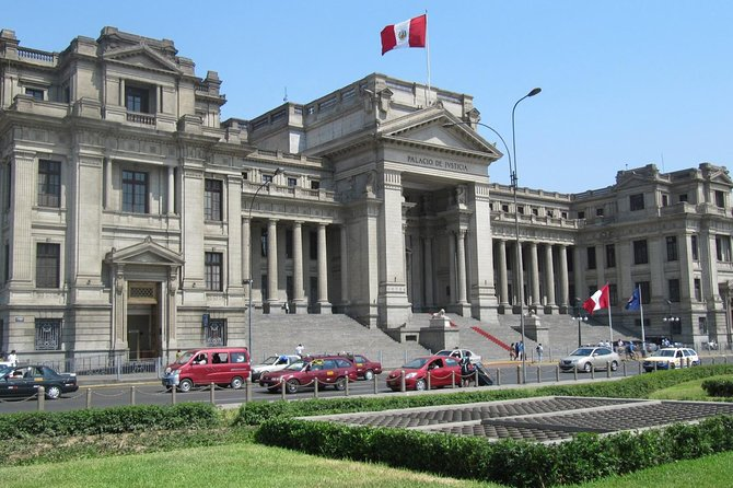 Small-Group Palaces and Historical Buildings in Lima