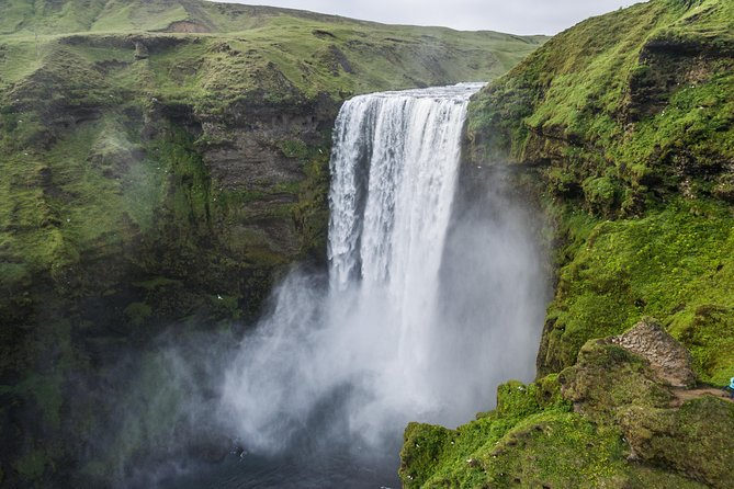 4-Day Enchanting Iceland: Golden Circle, South Coast & Blue Lagoon