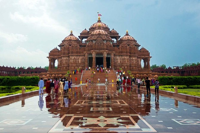 Full-day private tour of Delhi Temples