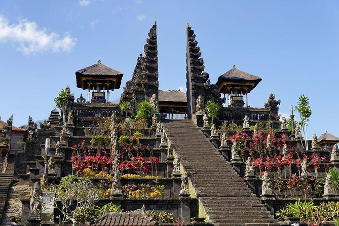 Voyage Spiritual of Besakih Temple, ancient traditional village