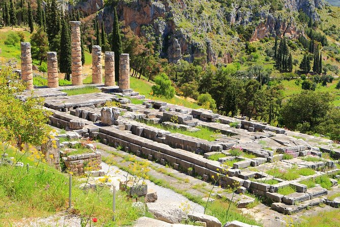 2-Day Delphi and Meteora Tour from Athens