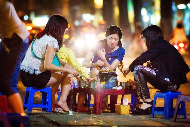 4 Hour Hanoi Streets & Eats Night Walking Tour (Private tour)