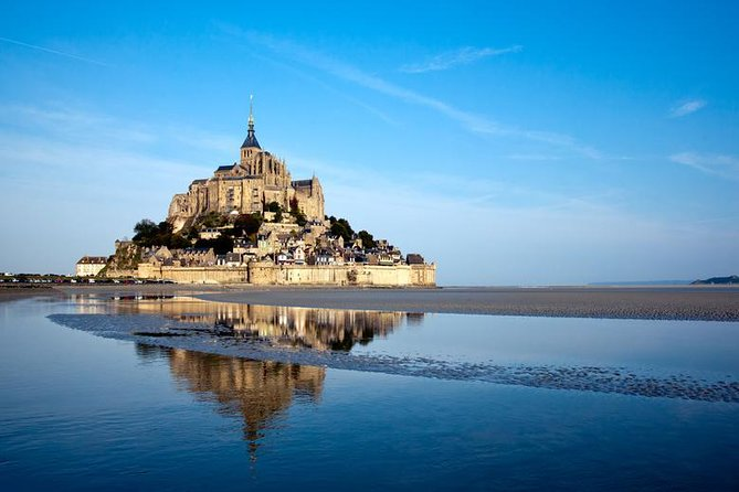 Mont Saint Michel Guided Tour with Abbey Visit from Paris