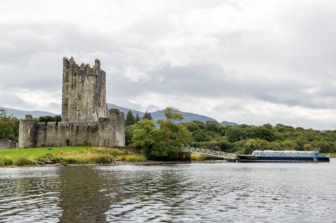 Combination Killarney Jaunting Car Tour and Lakes of Killarney Cruise photo 9