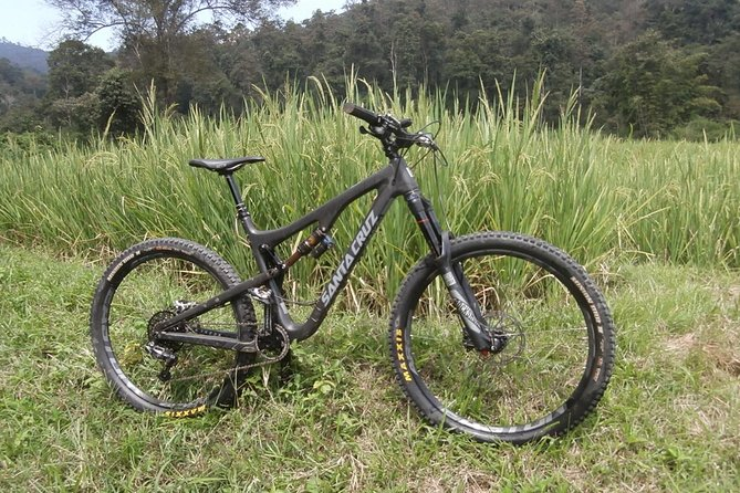 Singletrack Enduro Mountain Biking Tour in Chiang Mai with the professionals