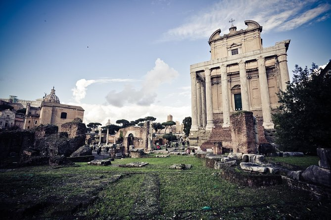 Hop On Hop Off 24 Hours and Colosseum, Roman Forum and Palatine Hill photo 3
