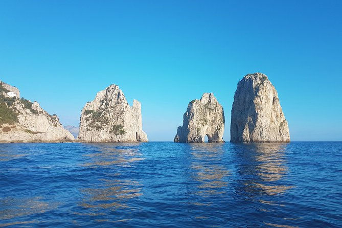 Capri excursion in a private boat