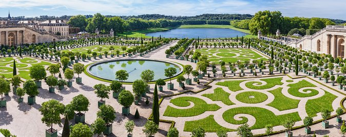Small-Group Versailles Guided Tour from Paris