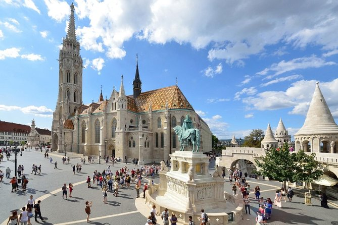 Budapest Live Guided - City Sightseeing Tour with Hotel Pickup