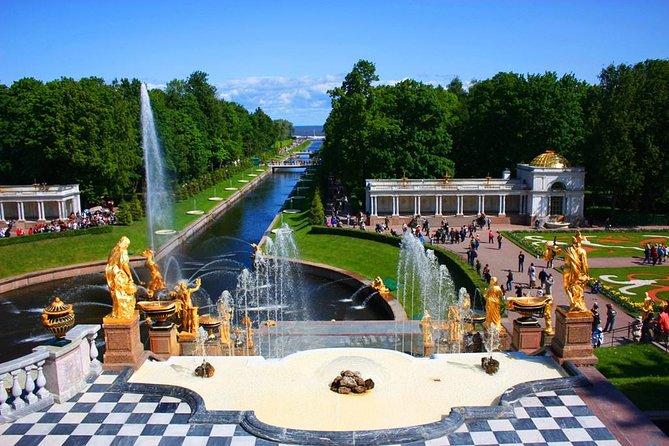 Tour Privado de 1 Dia sem Vistos com o Parque Peterhof e o Hermitage