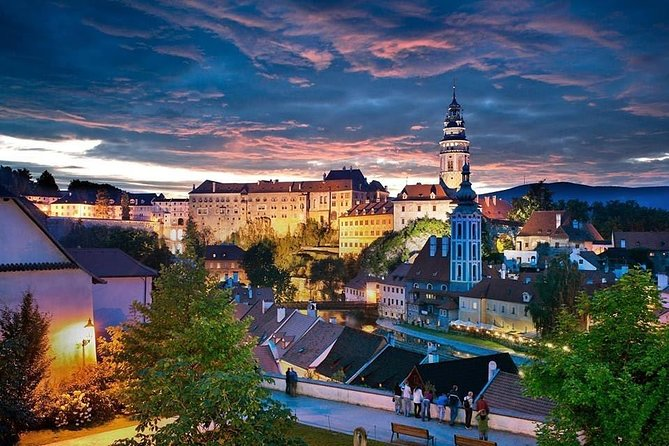 Scenic private transfer from Prague to Vienna with 2h stop in Cesky Krumlov