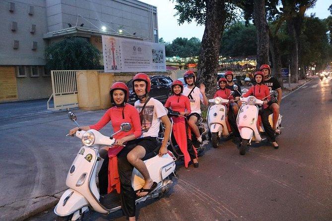 Hanoi Vespa Night Street Food Tour with Female Riders