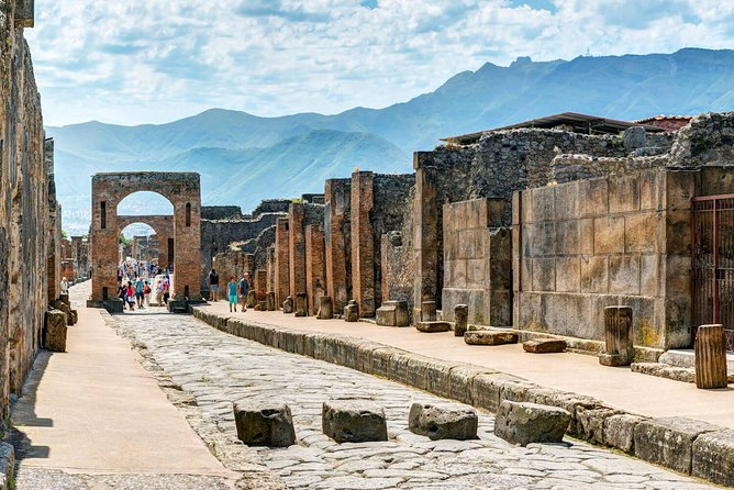 pompeii ruins private guided tour
