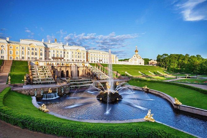 Moderate 2-Day Visa-Free Tour in St Petersburg with Faberge Museum
