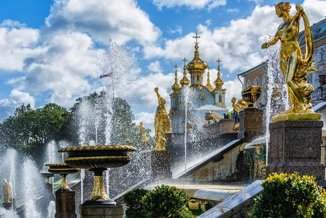 Full-Day Tour of St Petersburg with Hermitage and Peterhof Park