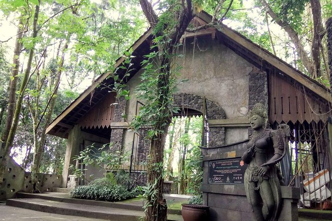 Yogyakarta Ullen Sentalu and Merapi Volcano Jeep Private Tours