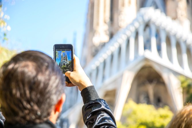 Priority Access: Barcelona Sagrada Familia Tour with Tower Entry