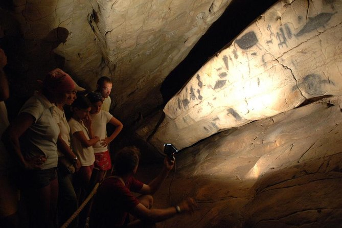 Island of Levanzo: explore the Genovese Cave with Prehistoric Art works