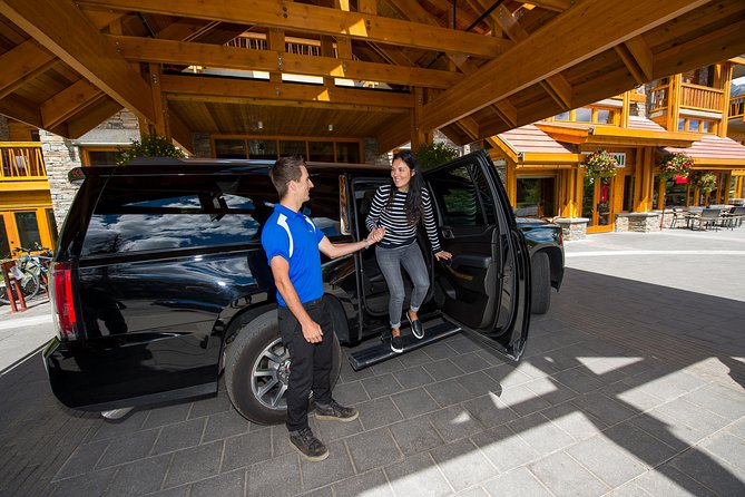 Private SUV Transfer: Calgary International Airport to Banff Hotels photo 6