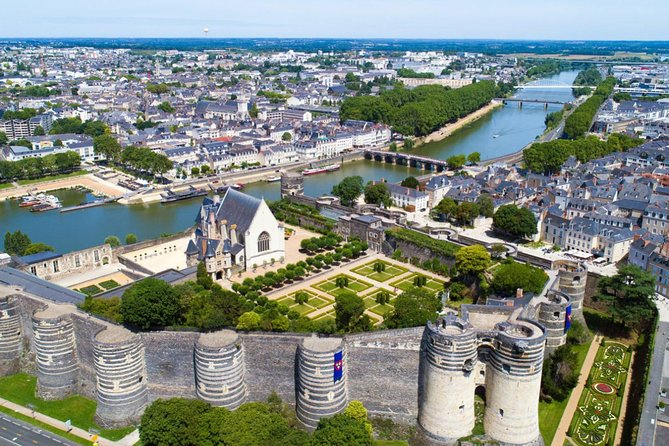 Private Transfer from Bayeux to Angers - Up to 7 people