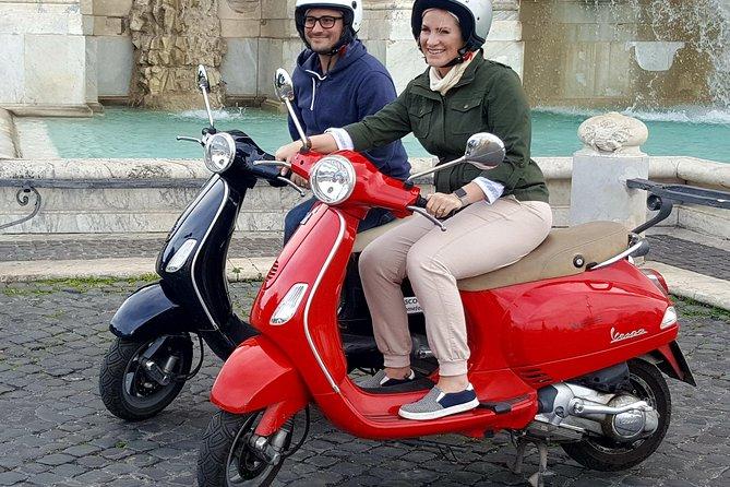 Rent a Vespa 125 cc automatic for 24 hours